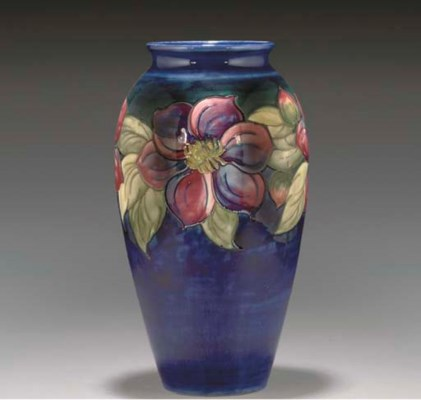 A MOORCROFT POTTERY CLEMATIS V