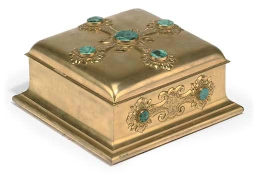 A VICTORIAN GILT BRASS BOX MOU