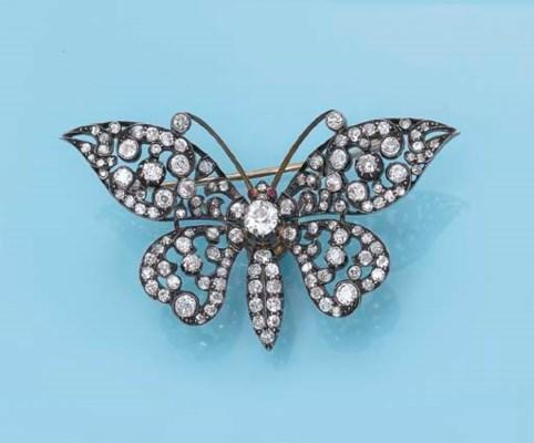 AN ANTIQUE DIAMOND BUTTERFLY B