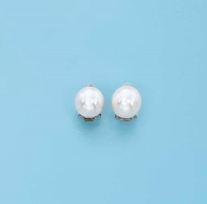 A PAIR OF NATURAL PEARL EARCLI