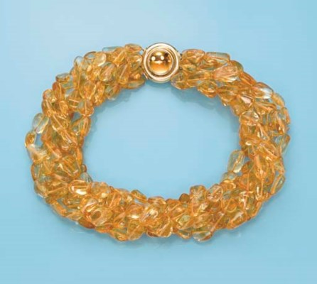 A CITRINE NECKLACE