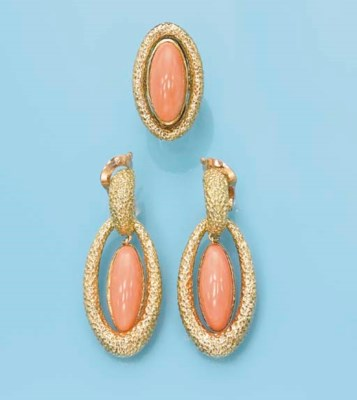 AN 18K GOLD AND CORAL SET, BY