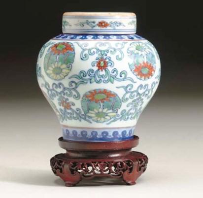 A CHINESE DOUCAI BALUSTER JAR