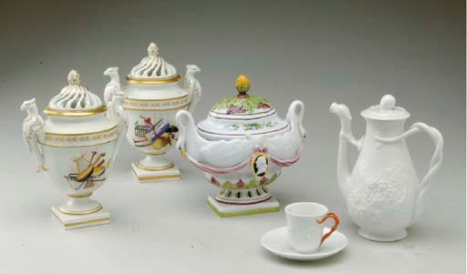 A RICHARD GINORI PORCELAIN PAR
