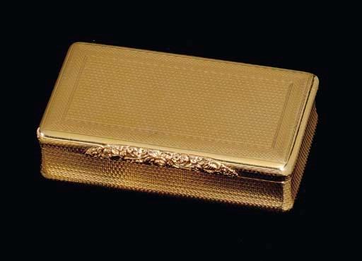 A REGENCY GOLD SNUFF BOX