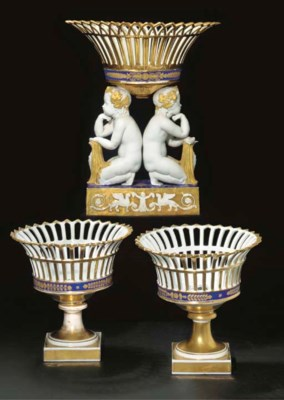 GARNITURE COMPOSITE EN PORCELA