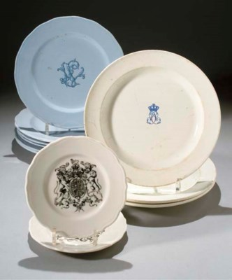 SIX ASSIETTES PLATES