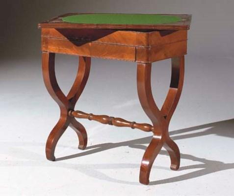 TABLE A JEUX DU XIXEME SIECLE
