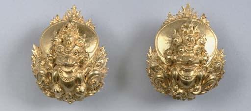A pair of Sumatran gold clasps