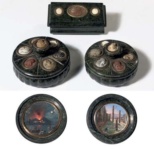 A NEAR PAIR OF NEAPOLITAN SERPENTINE MARBLE AND LAVA CAMEO INLAID INKSTANDS