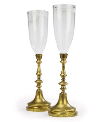 A PAIR OF VICTORIAN ETCHED-GLA