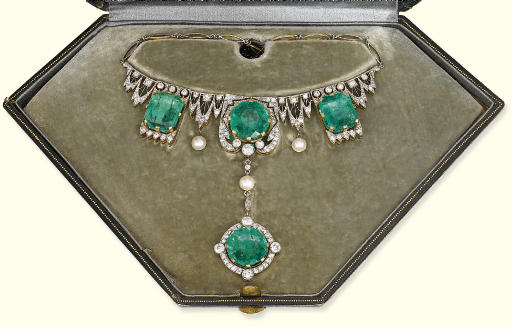 A BELLE EPOQUE EMERALD AND DIAMOND NECKLACE, BY MASRIERA Y CARRERAS