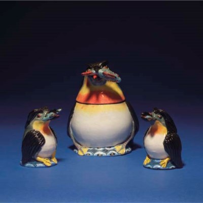 A PENGUIN SUGAR BOWL AND COVER