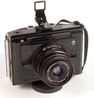 Makina III R camera