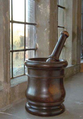 An English lignum vitae mortar