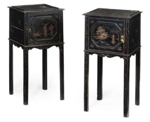 A PAIR OF BLACK CHINOISERIE DE