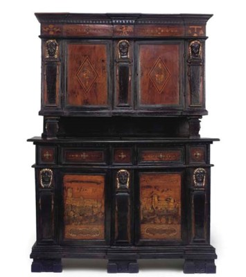 AN ITALIAN WALNUT EBONISED PAR