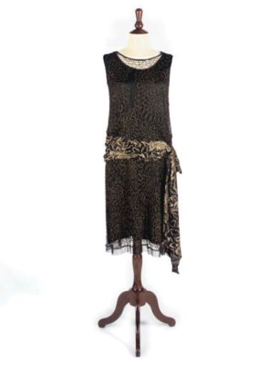 A GROUP OF 1920S COSTUME
