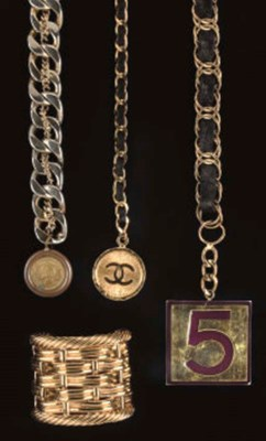 A COLLECTION OF JEWELLERY, CHA