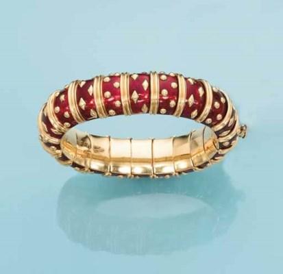 A RED ENAMEL AND GOLD BRACELET