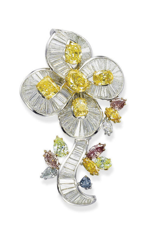 A COLOURED DIAMOND AND DIAMOND BROOCH, BY CARVIN FRENCH