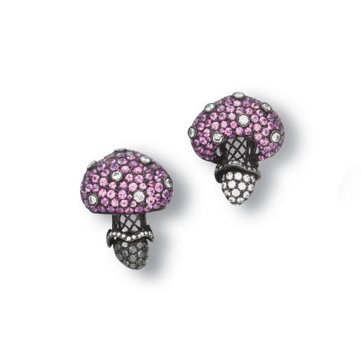 A PAIR OF PINK SAPPHIRE AND DIAMOND CLIP BROOCH, BY CARNET