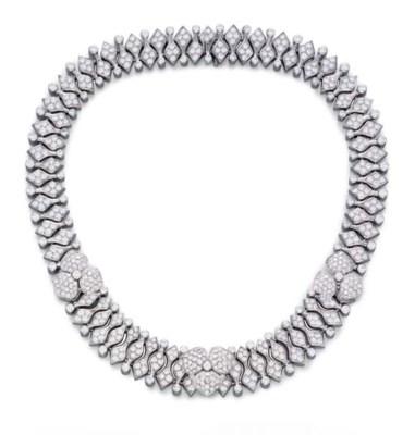 A DIAMOND NECKLACE, BY TIFFANY