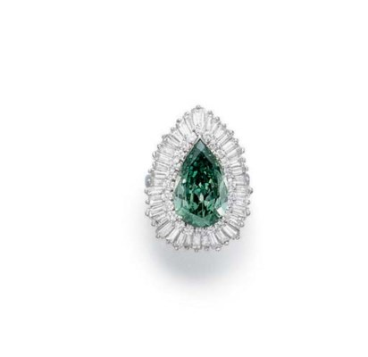 A TREATED COLORED DIAMOND RING