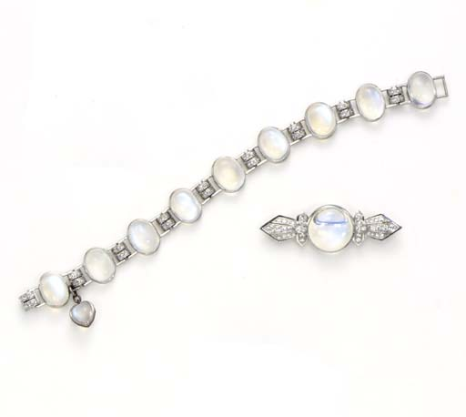A SET OF MOONSTONE AND DIAMOND JEWERLY, BY BAILEY, BANKS & BIDDLE