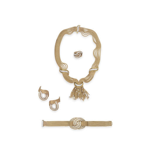 A SUITE OF RETRO GOLD AND DIAMOND JEWELRY, BY RUSER