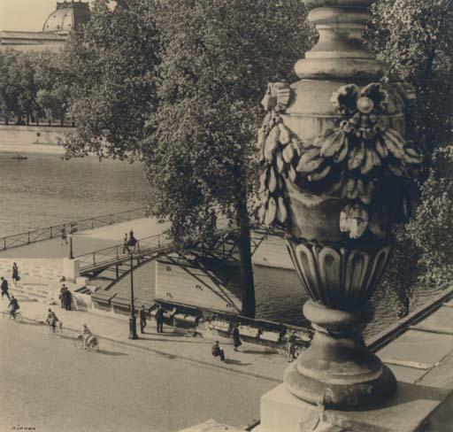 Pont des Arts, Paris, 1940s