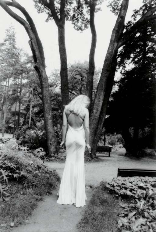 Arielle Dombasle de Dos, Paris, 1987