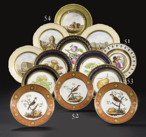 CINQ ASSIETTES EN PORCELAINE DE PARIS (DARTE PERE) DU DEBUT DU XIXEME SIECLE