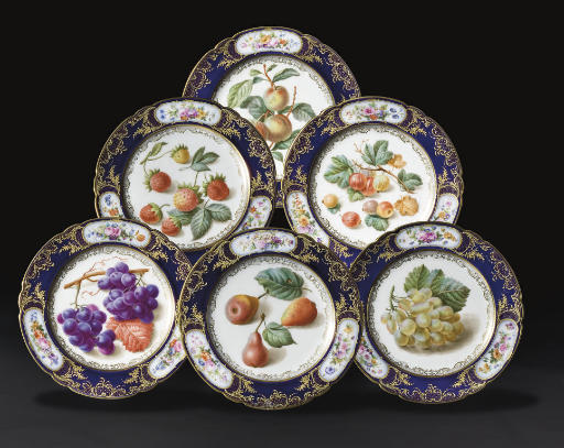 SIX ASSIETTES EN PORCELAINE DE PARIS (BOYER) DE LA FIN DU XIXEME SIECLE