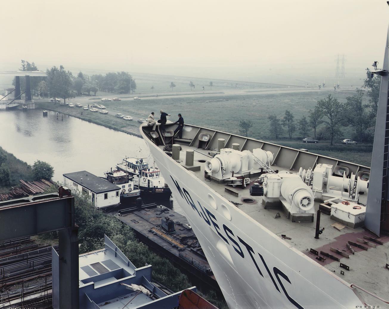 Waterhuizen, from the series 'Hollandse Taferelen'