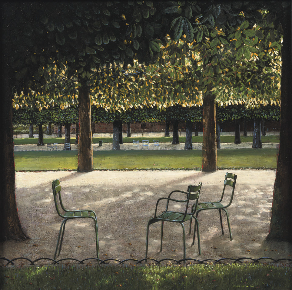 Chestnutpark with green chairs