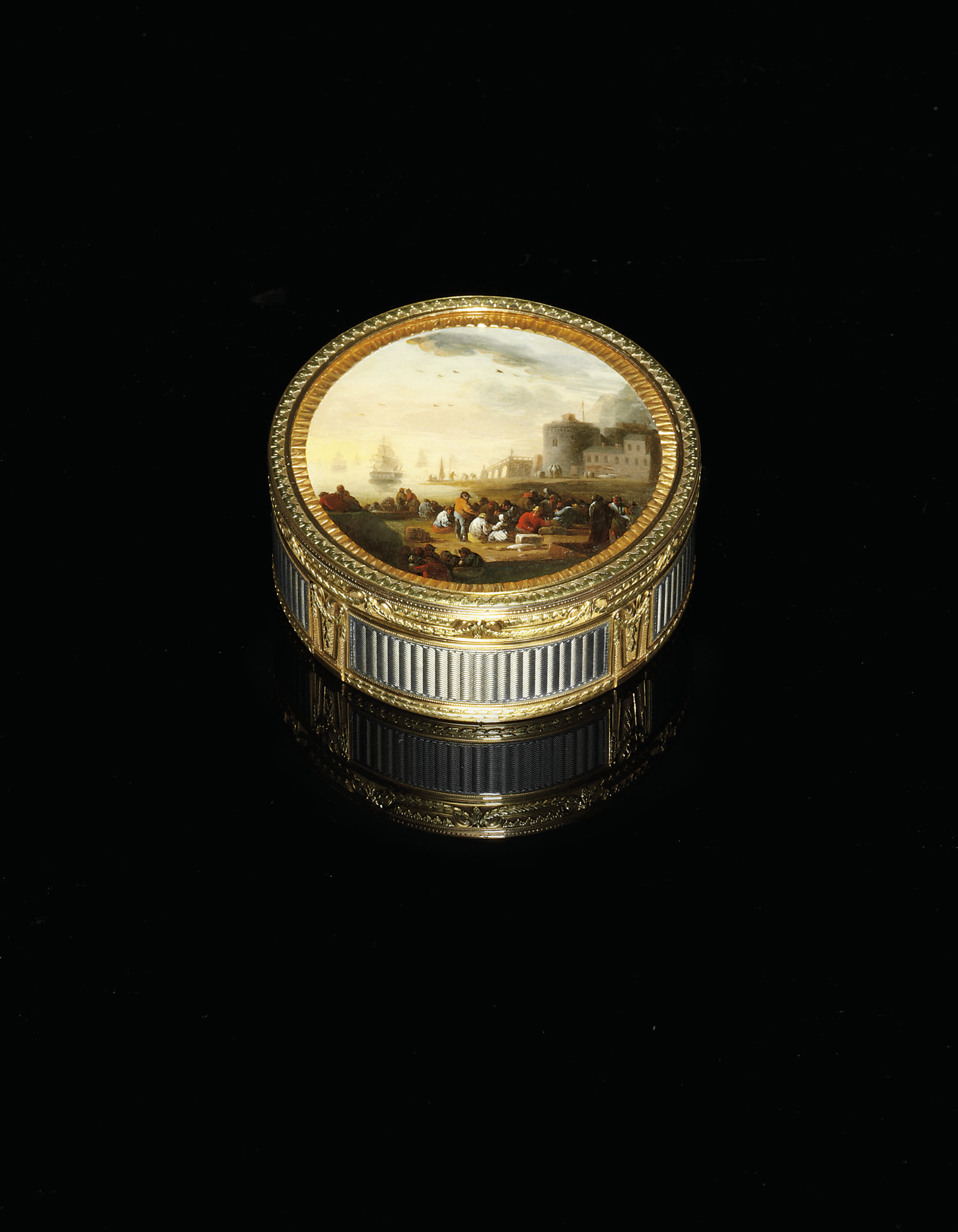 A LOUIS XVI ENAMELLED TWO-COLOUR GOLD SNUFF-BOX SET WITH A MINIATURE