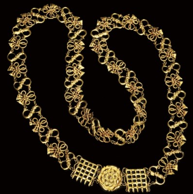 A GOLD LIVERY COLLAR, FORMERLY