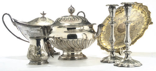 A COLLECTION OF PLATED WARES