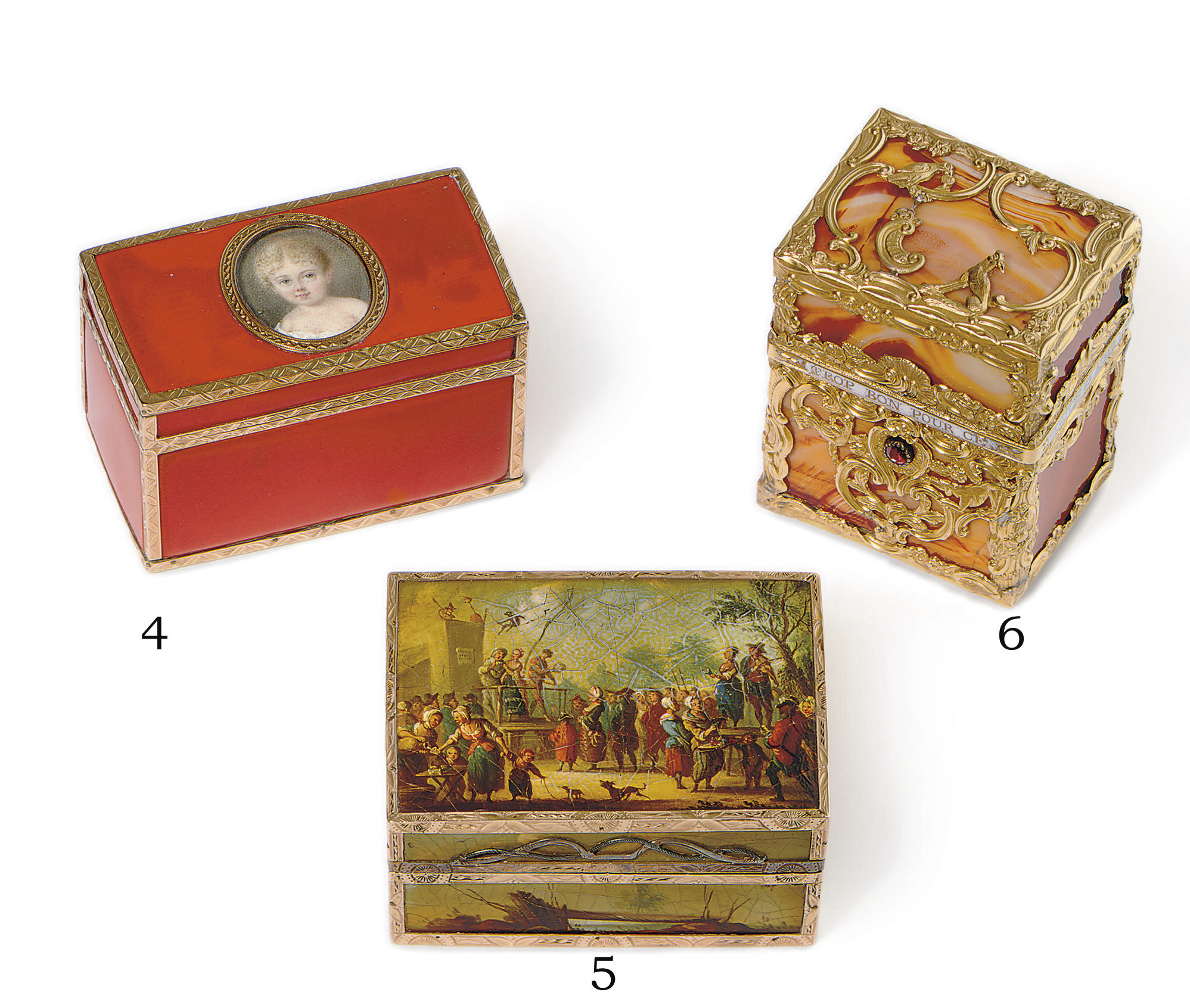 A FRENCH GOLD AND RED LACQUER SNUFF BOX WITH PORTRAIT MINIATURE**