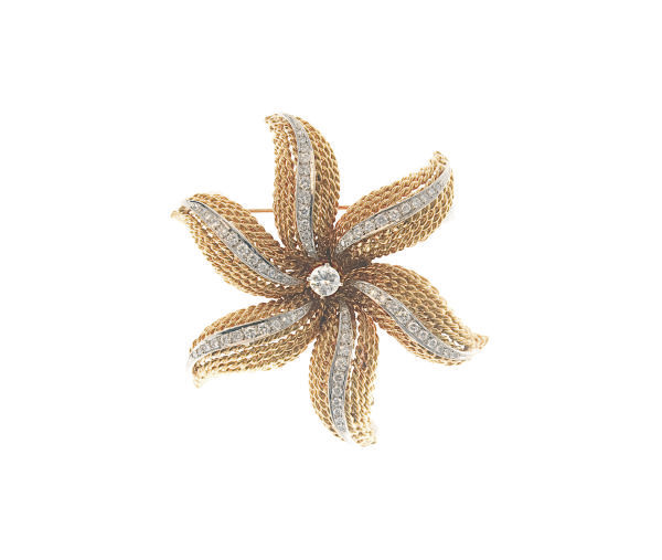 A DIAMOND AND 18K GOLD BROOCH, BY ERWIN PEARL