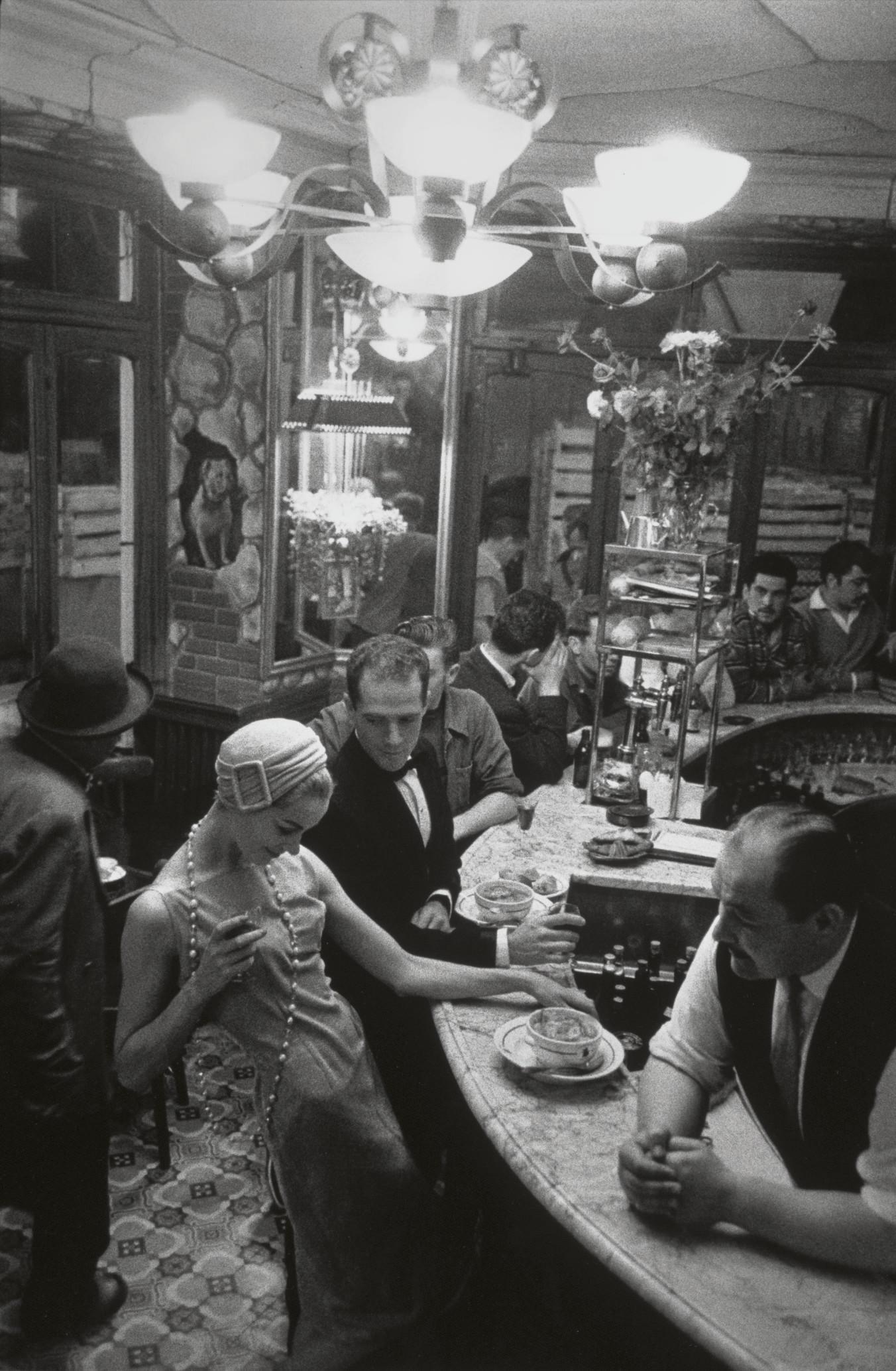 Au Chien Qui Fume, Jardin des Modes, Paris, 1957