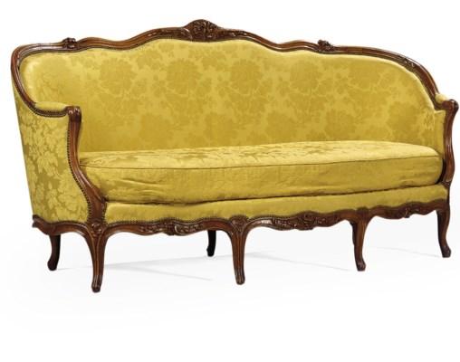 canape d 39 epoque louis xv estampille de louis delanois. Black Bedroom Furniture Sets. Home Design Ideas