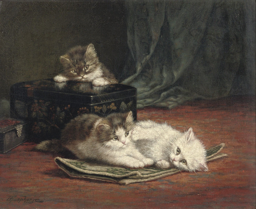 Furry friends by the lacquer box