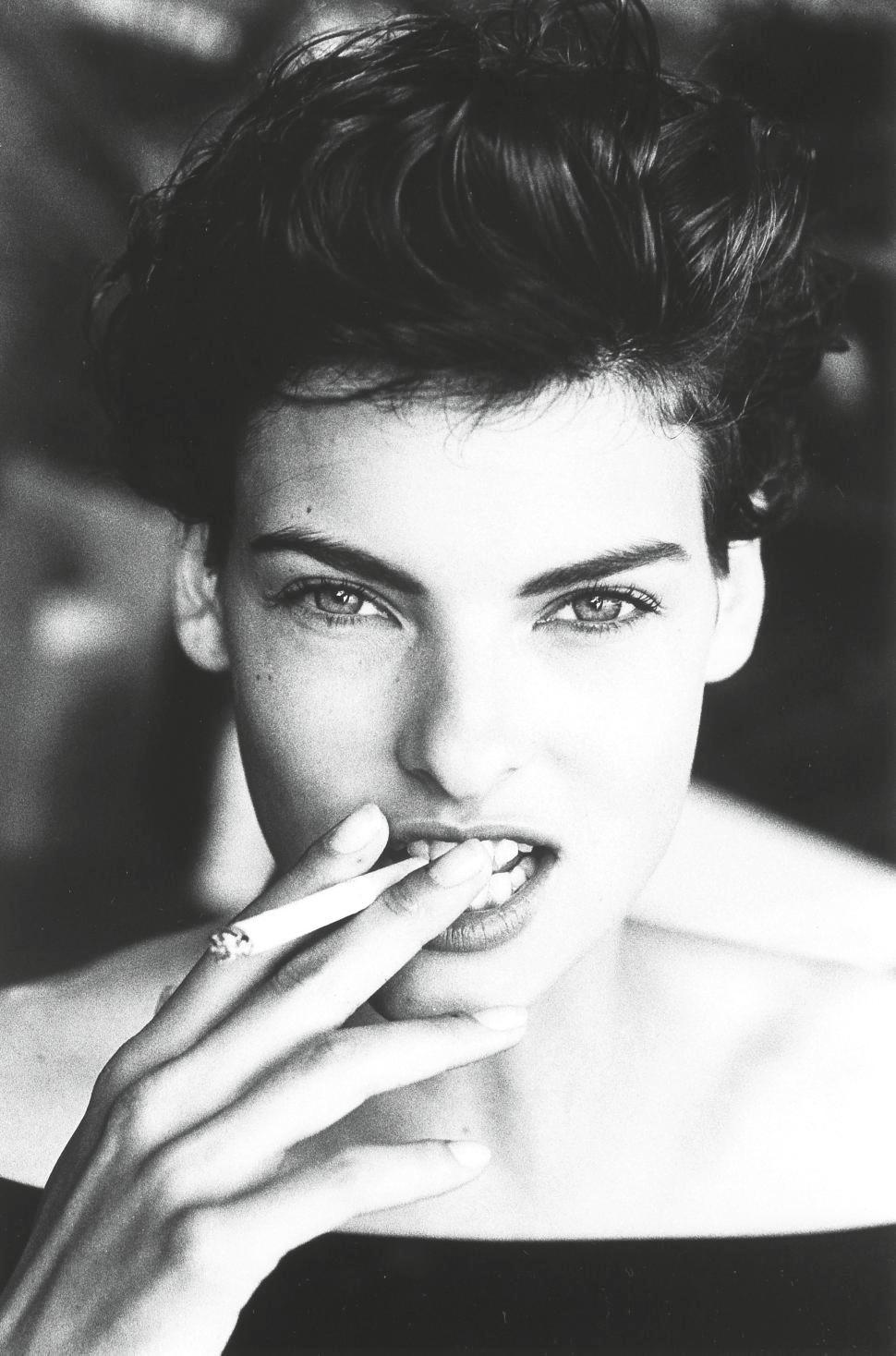 Linda Evangelista, Smoking, Dominica, 1990