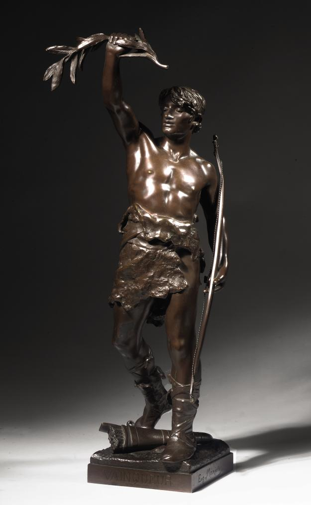 A FRENCH BRONZE FIGURE ENTITLED 'VAINQUER'