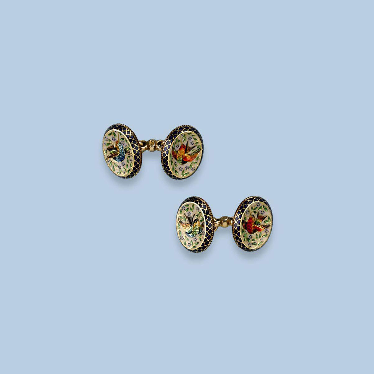 A PAIR OF GOLD AND ENAMEL CUFFLINKS, BY GIULIANO
