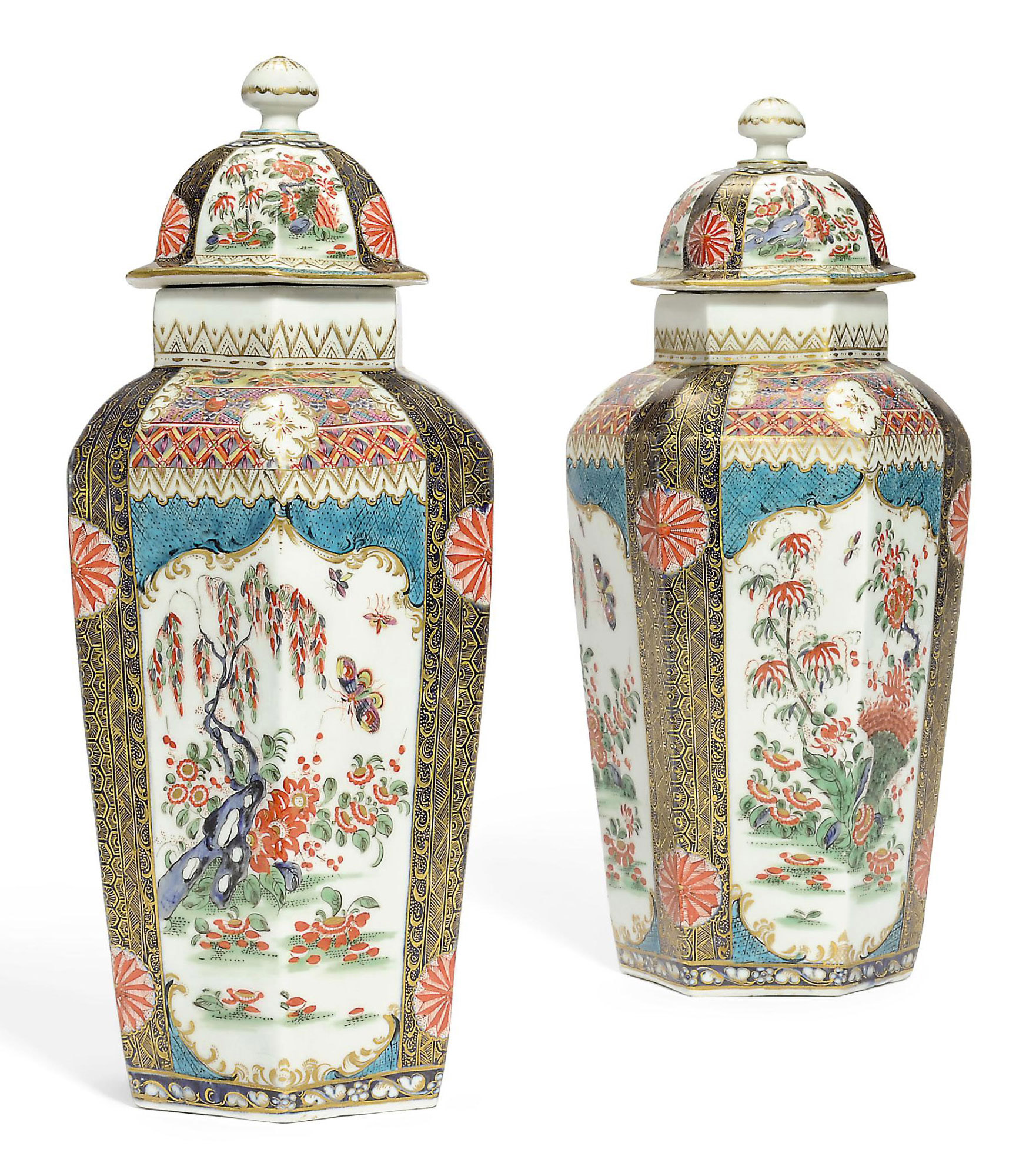 A PAIR OF WORCESTER HEXAGONAL VASES AND COVERS
