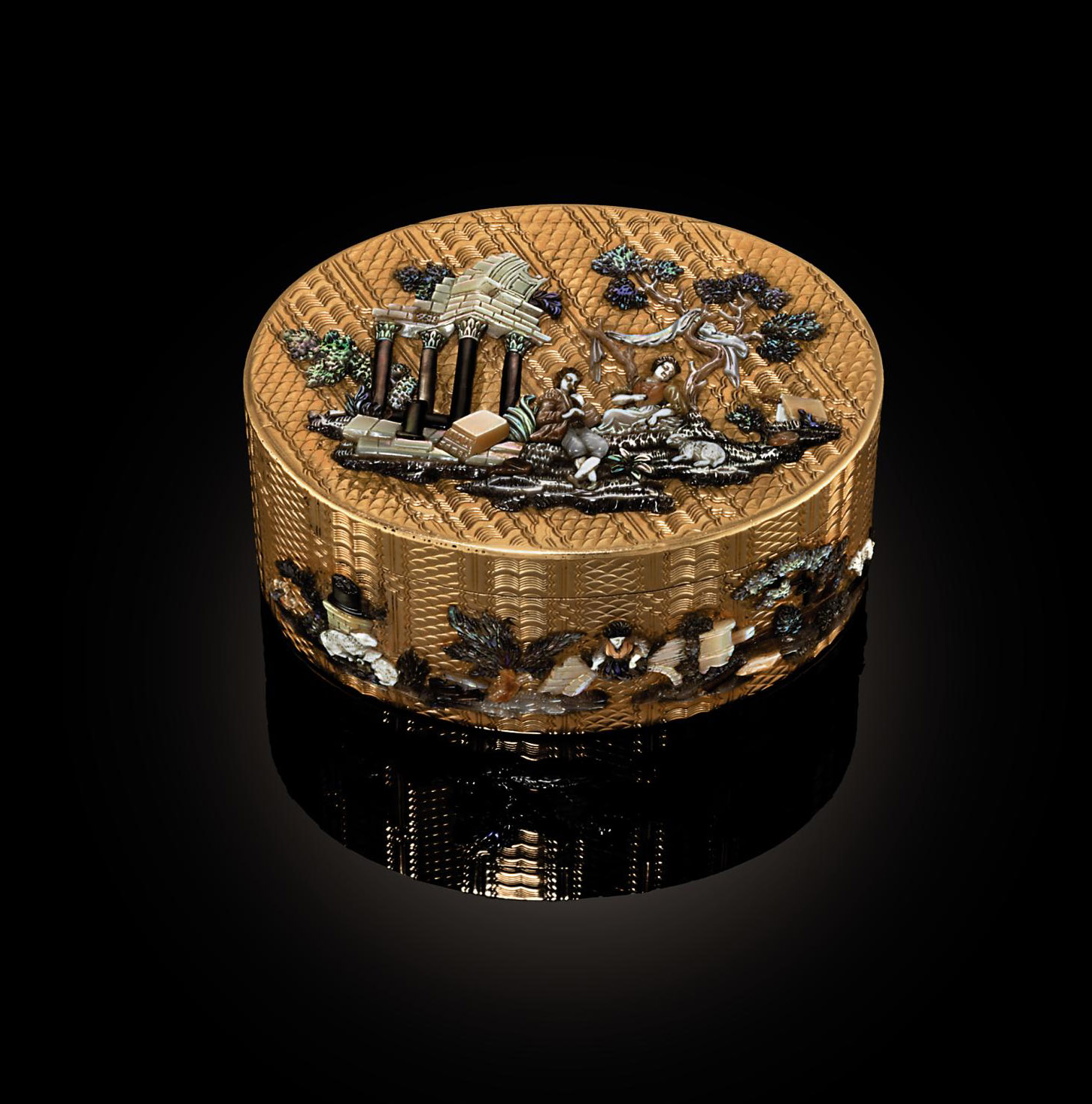 A LOUIS XV GOLD SNUFF-BOX APPLIED WITH SHELL, IVORY AND HARDSTONES