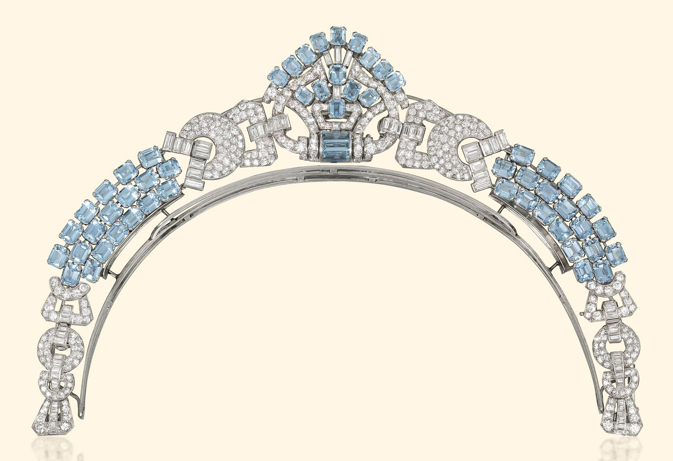 AN ART DECO AQUAMARINE AND DIAMOND NECKLACE, BY LACLOCHE FRÈRES